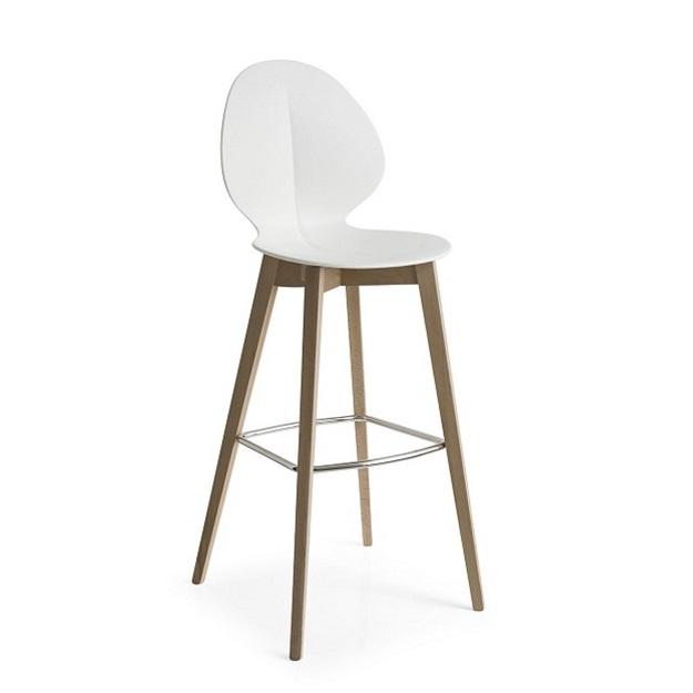 Calligaris basil bar stool wood legs for Calligaris basil w