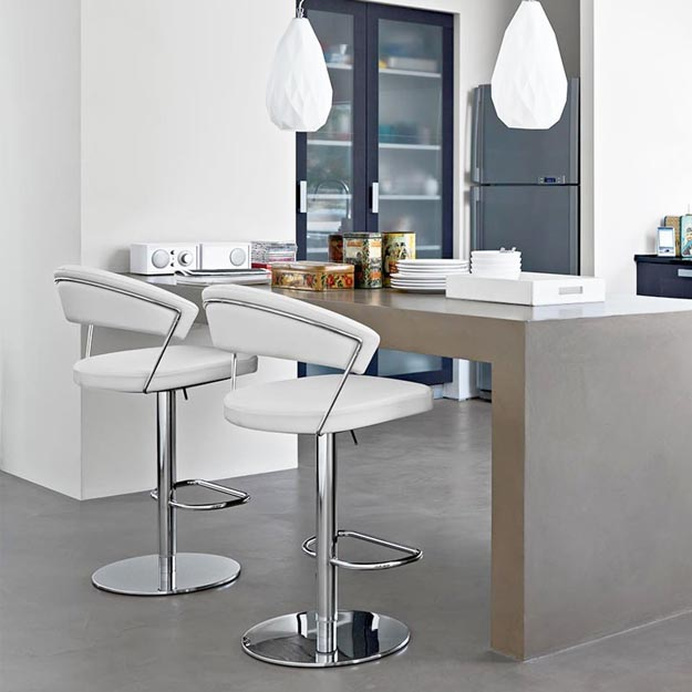 Calligaris new york gaslift bar stool - Calligaris balances ...