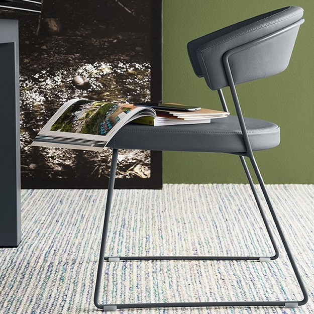 Calligaris new york chair sleigh legs for Calligaris new york