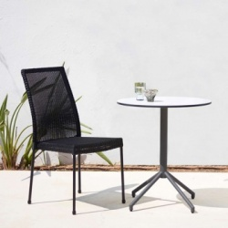 Cane-line Avenue Round Bistro Table