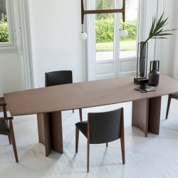 Porada Alan Wood Table