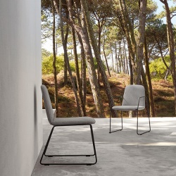 Manutti Loop Outdoor Dining Chair
